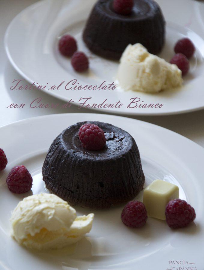 Tortini al cioccolato con cuore fondente bianco